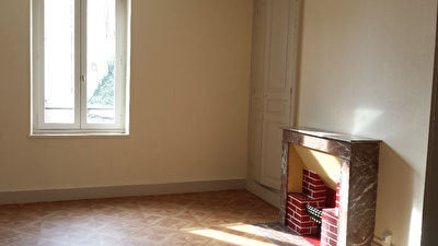 TEXT_PHOTO 1 - Grand appartement type F4.