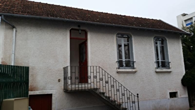TEXT_PHOTO 8 - LOCATION MONTLUCON MAISON F2